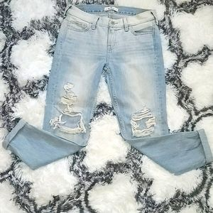Hollister jeans in great condition summer vibe